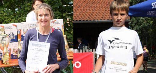 eine Frau und ein Junge mit Urkunde